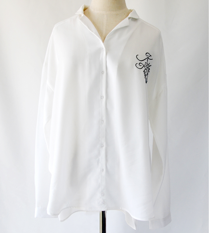 ネーム筆記体ワンポイント刺繍シャツ(キッド)