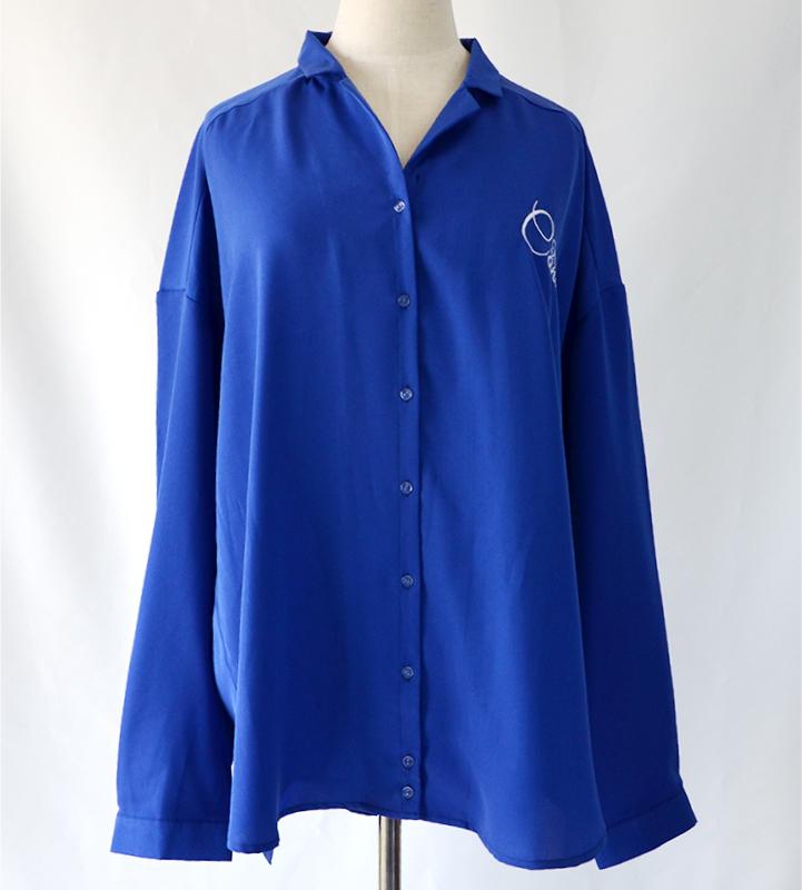 ネーム筆記体ワンポイント刺繍シャツ(コナン)